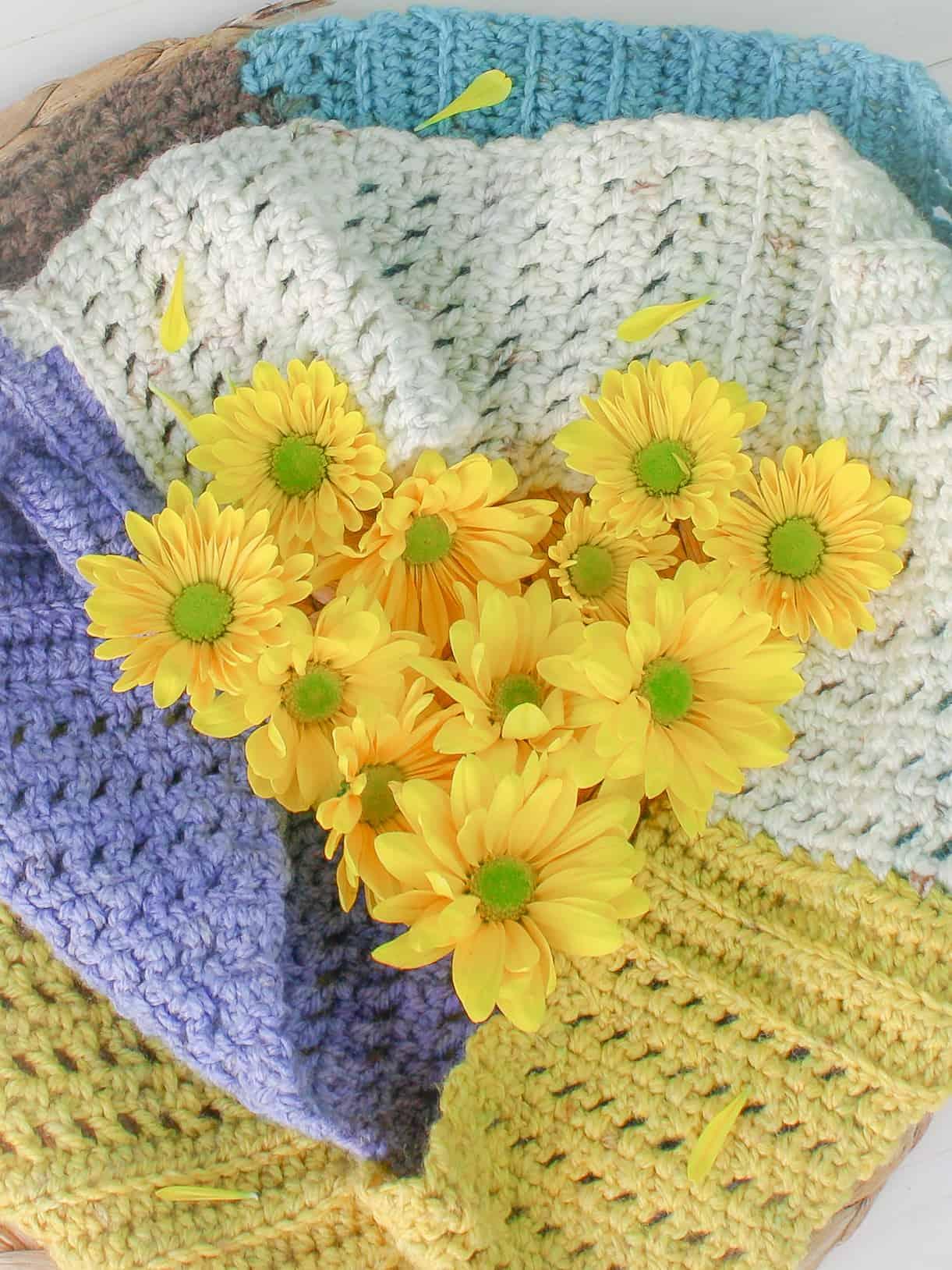 Three Stitch Infinity Scarf: Free Crochet Pattern - Winding Road Crochet