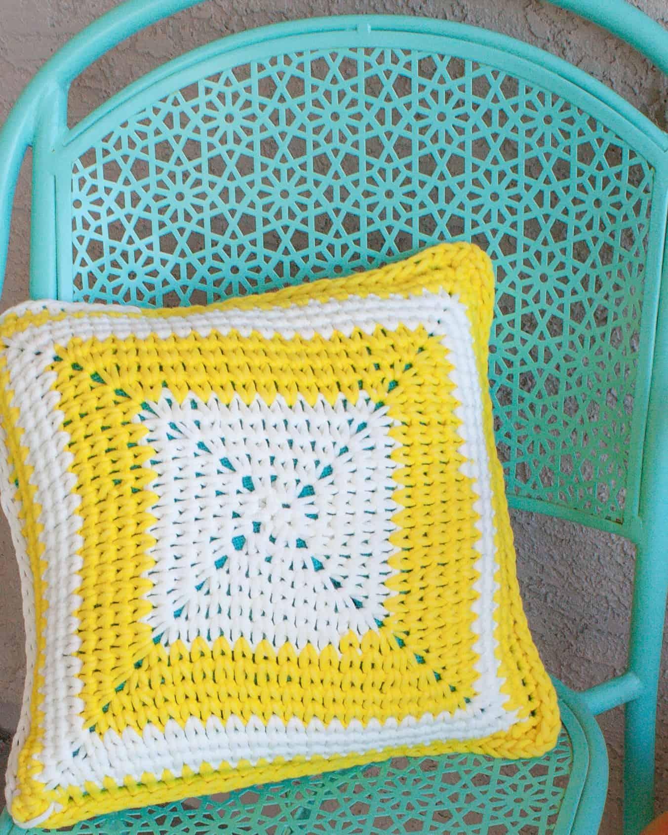 Sun Shine Patio Pillow: Free Crochet Pattern - Winding Road Crochet