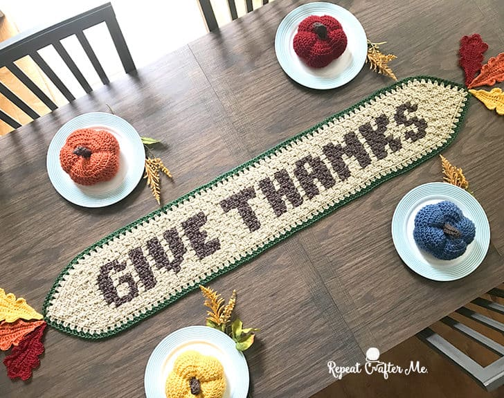 Thanksgiving free crochet pattern round up. Thanksgiving is a fun time to share our craft with our friends and family. Decorate your home with these beautiful free crochet pattern projects.