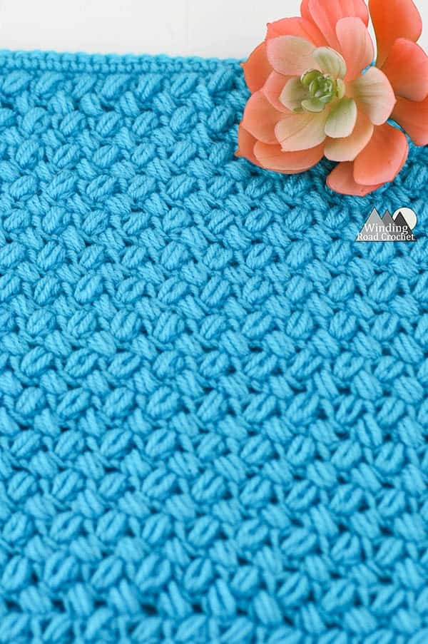 Learn to crochet the Bean stitch with this crochet video tutorial. The bean stitch is a wonderful texture crochet stitch. #crochetstitch #crochetstitchtutorial