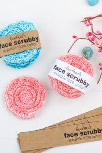 Easy crochet face scrubby with printable label.