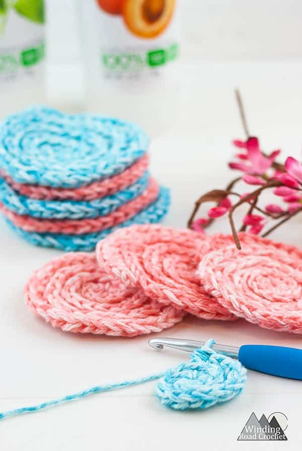Crochet face scrubby is a quick and easy crochet project. Make up a bunch or reusable cotton face scrubbiest. These scrubbiest make a perfect diy spa gift and come. Printable labels available. #crochetscrubby #crochetspagift #diyspa #crochetpattern #crochetprintable