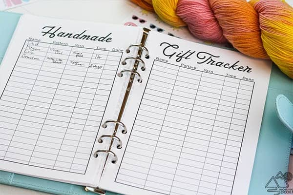 Keep you project and your life organized with this free bullet journal style Crochet Planner. Free printable planner for all newsletter subscribers. #bulletjournal #plannerideas #crochetplanner #freeprintable #printable