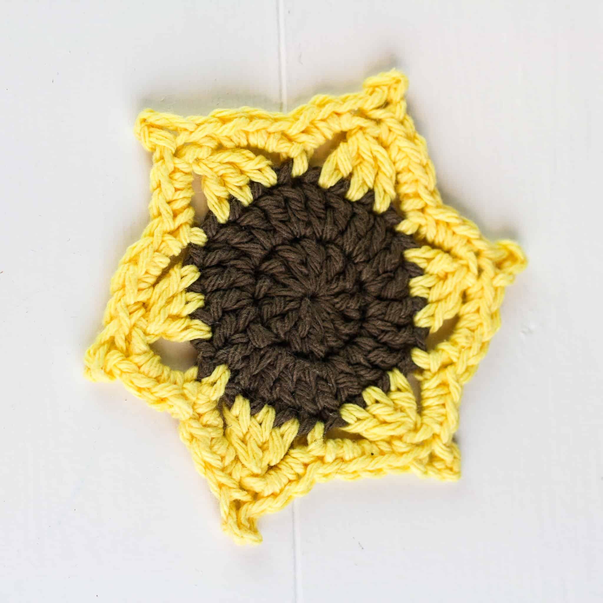 Happy Sunflower Amigurumi - Free Pattern... - Crochet For Children ... | 2048x2048