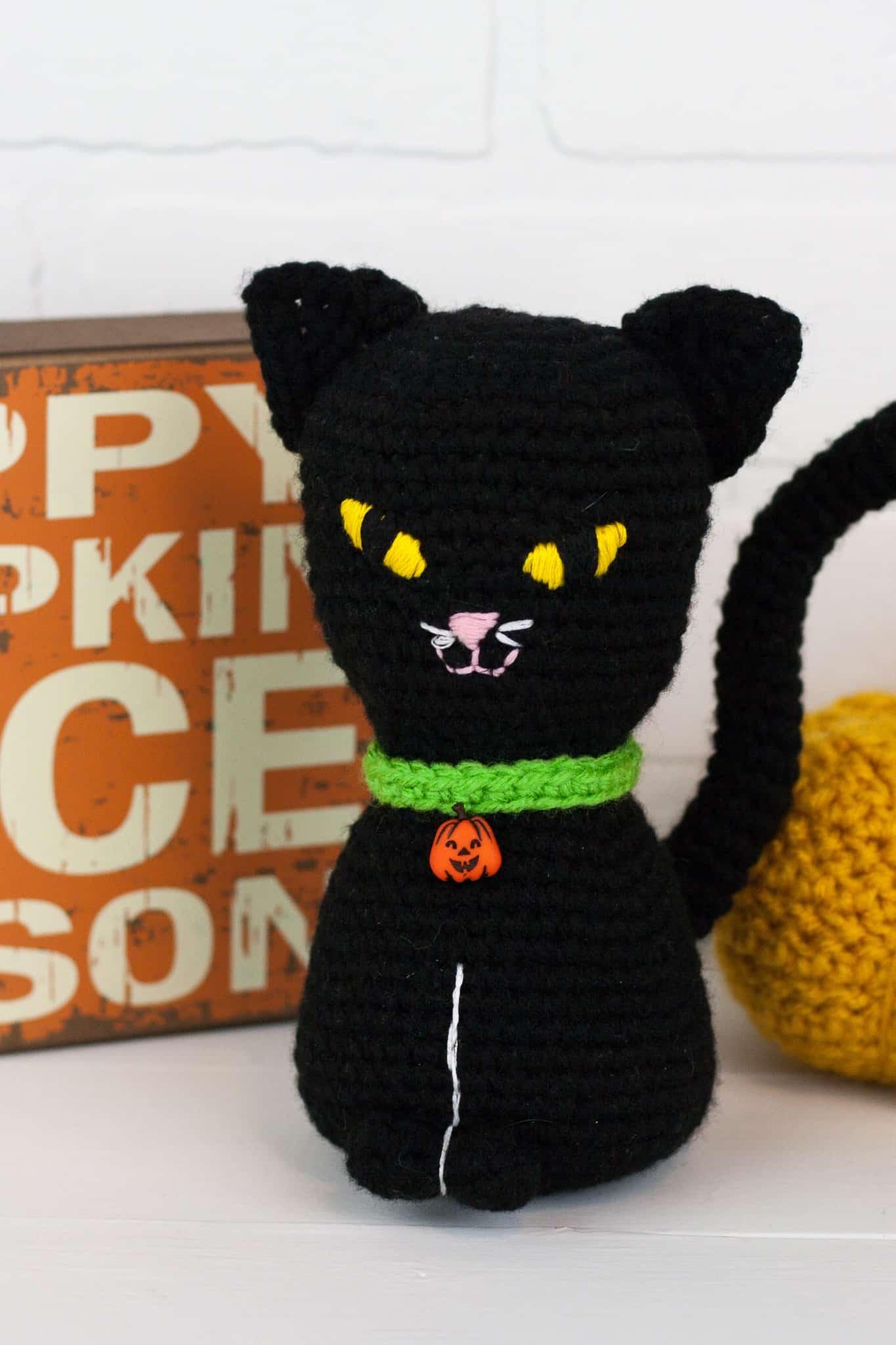 Amigurumi Pattern: Halloween Kitten