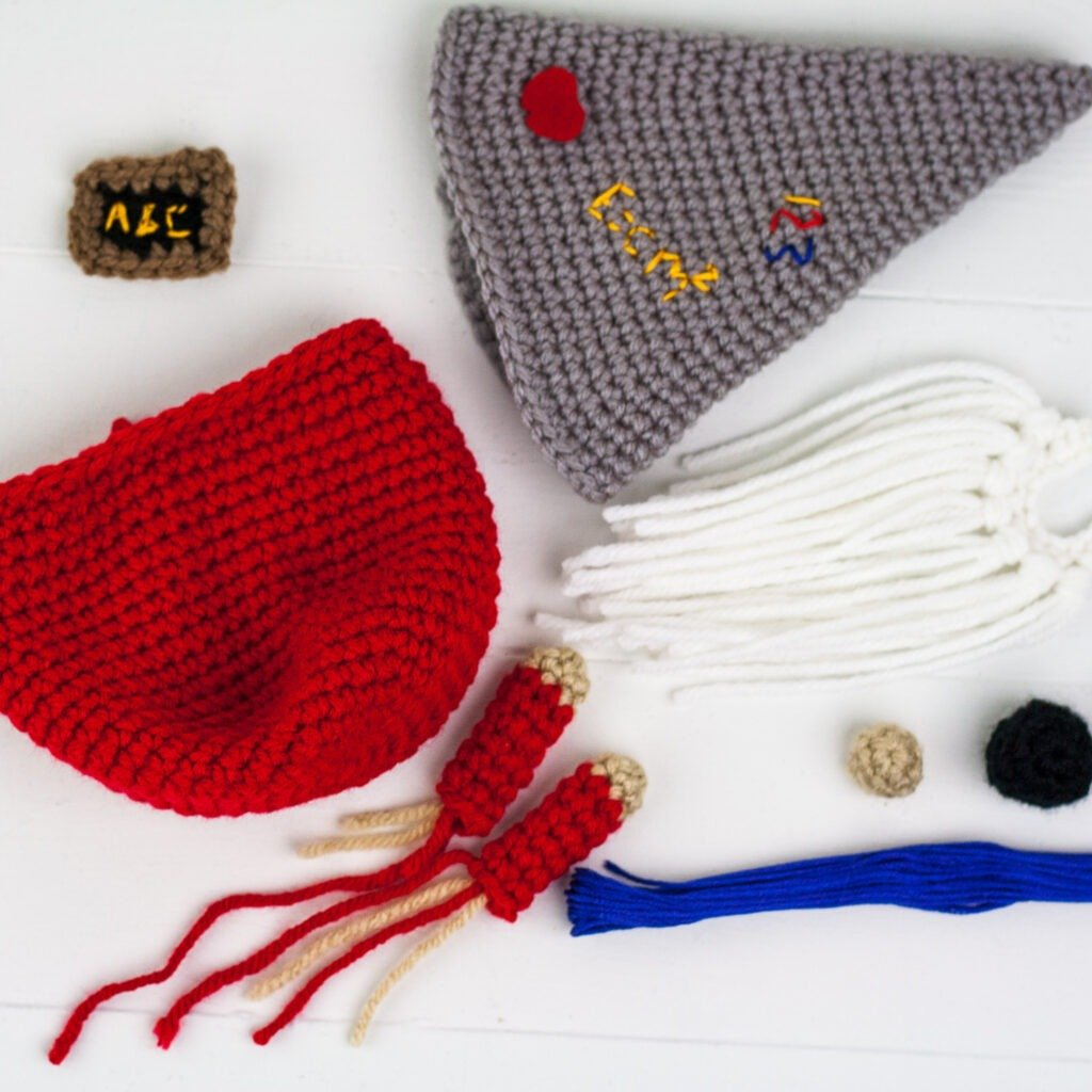 Use this free crochet pattern to make a Crochet Teacher Gnome. This will make a perfect gift for any teacher. Easy to follow crochet pattern.