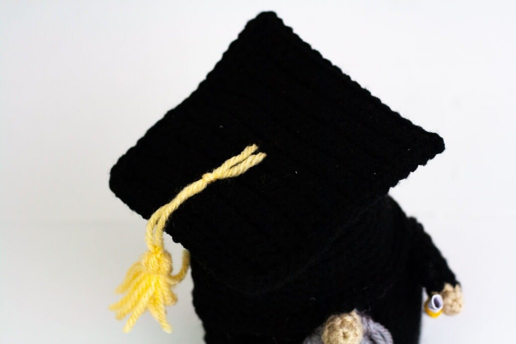 Crochet this little graduation gnome and customize him or her with this free crochet pattern. He will definitely make a grad smile this year.