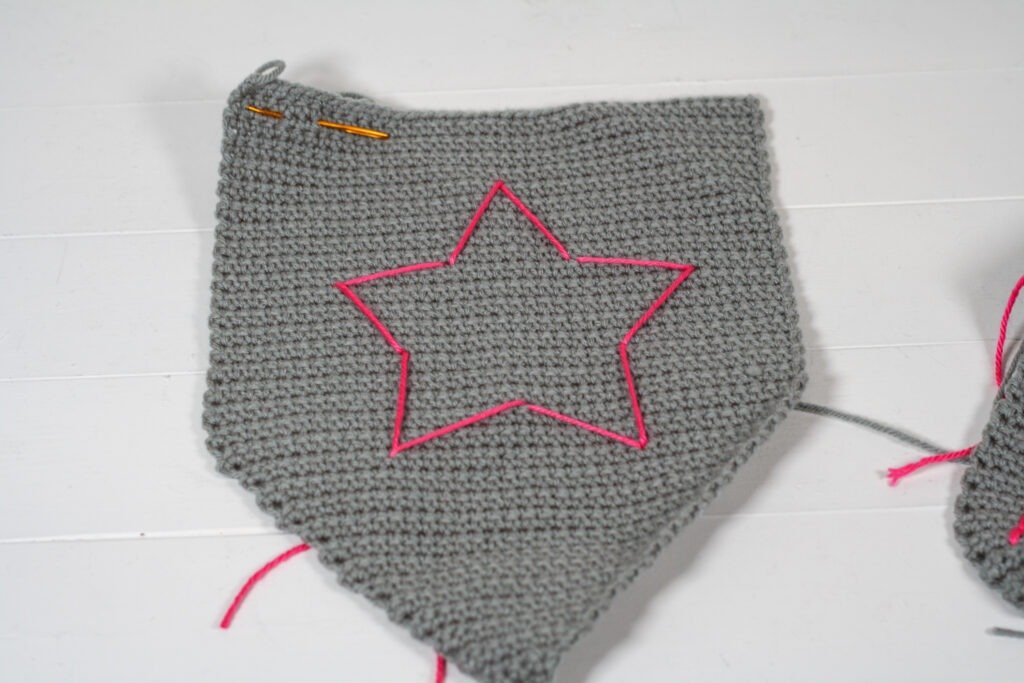 Your kids will love this quick and easy crochet sword and shield for pretend play. Free crochet pattern with a helpful video tutorial.