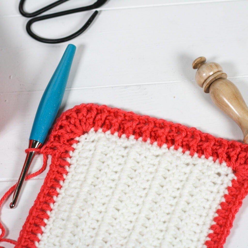 Learn to crochet this beautiful simple rib crochet border with the free crochet pattern and video tutorial. A perfect blanket border.