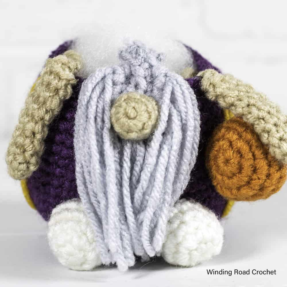 A crochet basketball gnome makes a great Father's day gift for a sports fan. Free crochet pattern for a cute gnome with helpful videos.