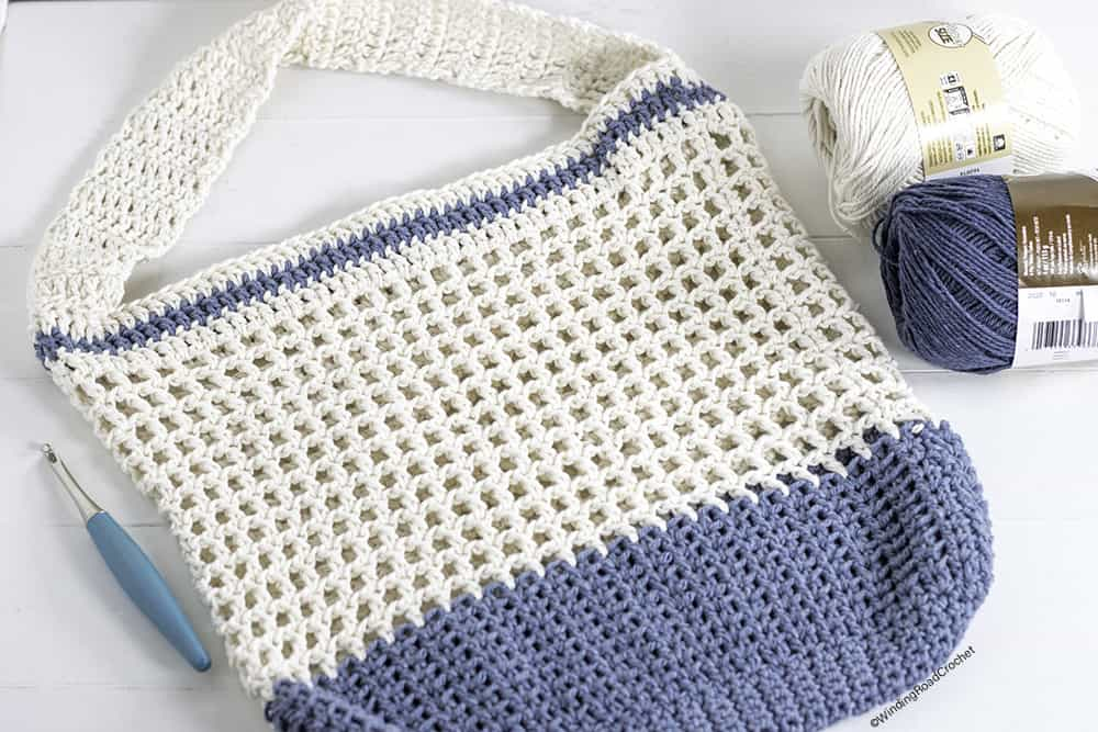 Being green can be fun and trendy, just make up this Color Dipped Crochet Market Bag with this free crochet pattern.