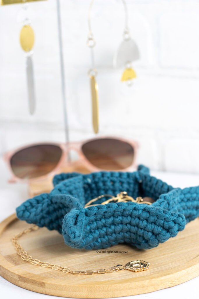 You will love making this quick and easy small crochet basket. This free crochet pattern works up fast, easy, and looks great.